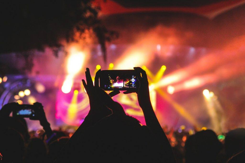 How Guest WiFi Increases Engagement at Festivals and Other Live Events main image
